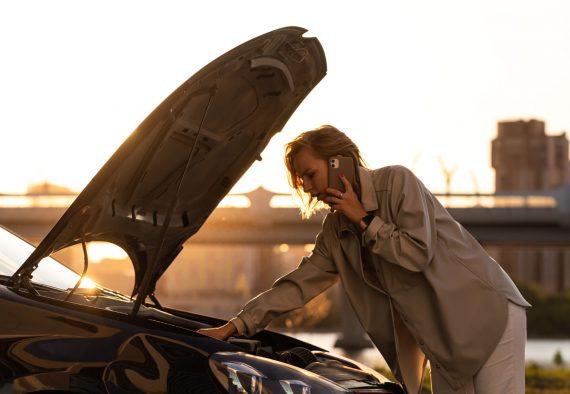 sunset-accident-adult-annoyance-assistance-automobile-bonnet-break-breakdown-breakdown-car-call-car_t20_6YyLPv